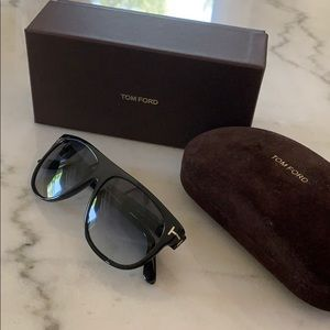 Authentic Tom Ford Kristen Sunglasses TF375